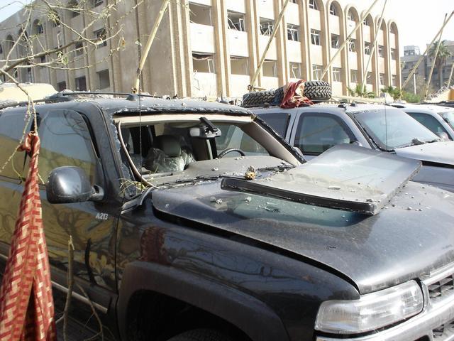 Iraq_hotel_truck_bomb_mar_9_05_004_1